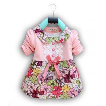 Rožinė gėlėta suknelė