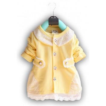 Geltona suknelė su nėrinukais
